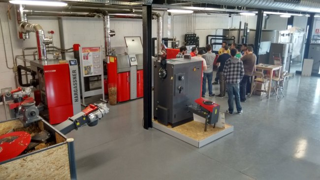 Curso de instalador de calderas de biomasa. Hargassner